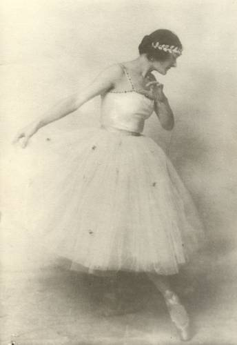 Nelsy Dambre, bailarina y coreógrafa, foto : Nelly Hapee