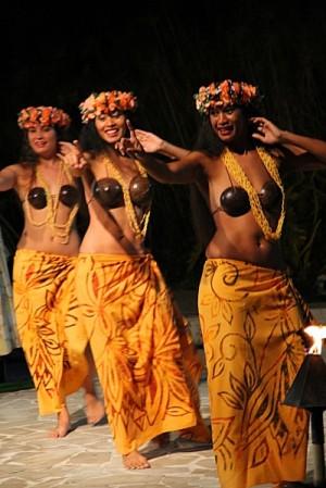 Resultado de imagen para vestuario tahitiano